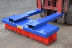 forklift-brush-side